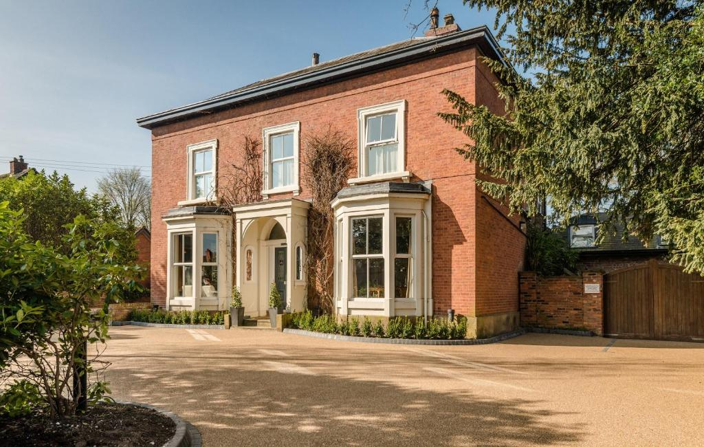 Eleven Didsbury Park - A Small Luxury Town House Hotel - Laterooms
