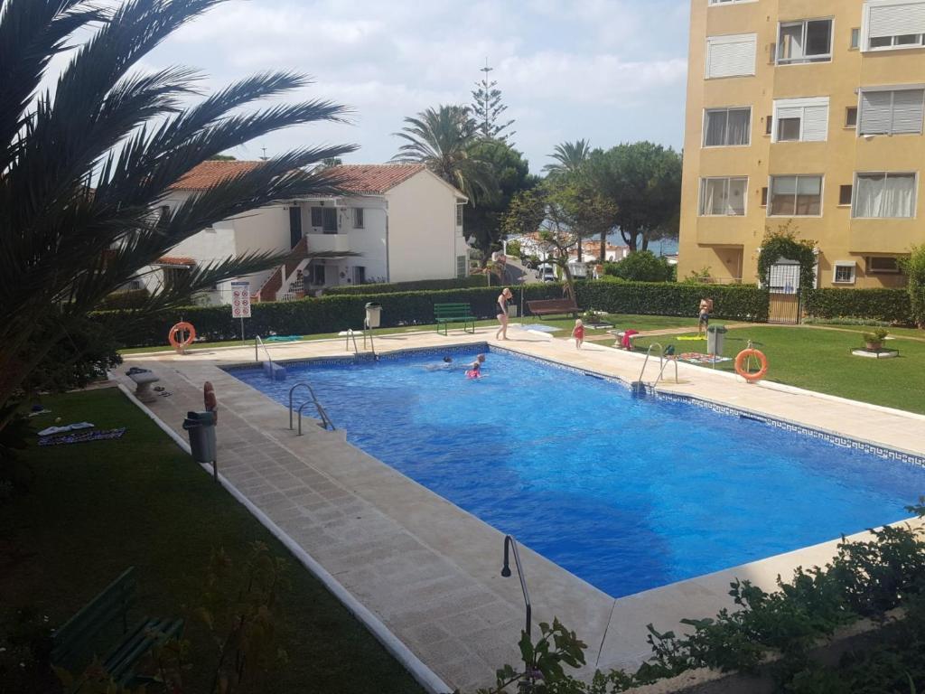Apartment Acogedor y amplio estudio con vistas al mar, La Cala de Mijas,  Spain - Booking.com