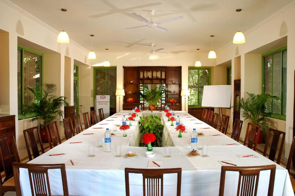 A restaurant or other place to eat at WelcomHeritage Maharani Bagh Orchard Retreat
