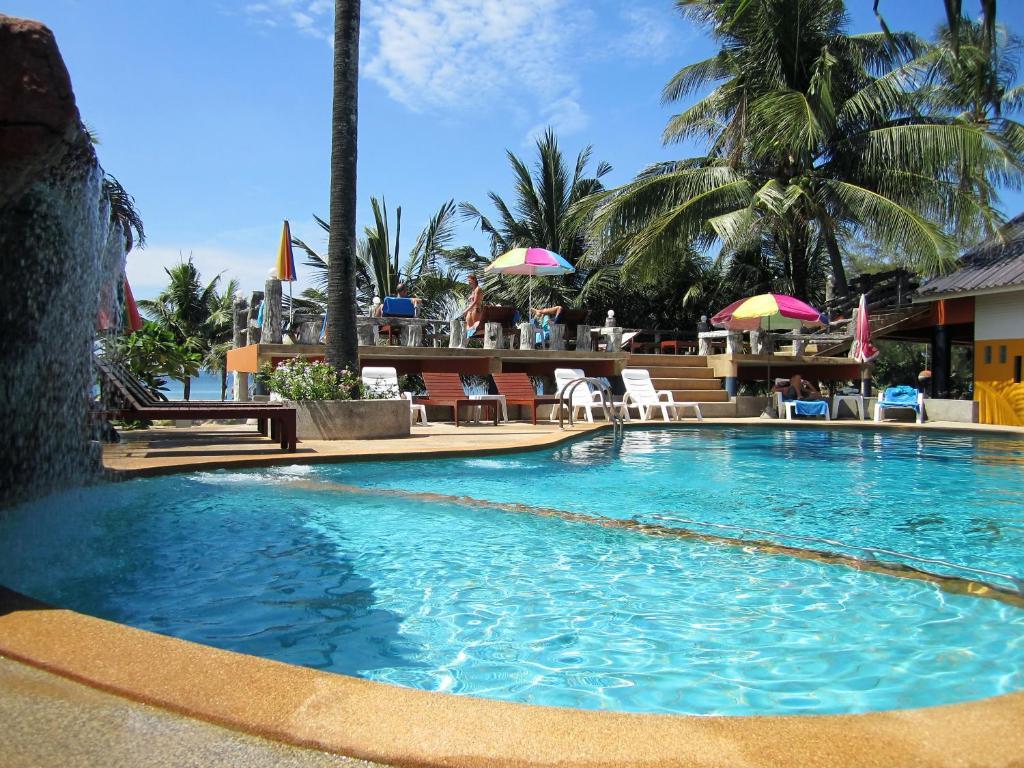 The swimming pool at or near Lanta Ilmare Beach Resort