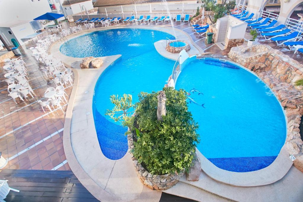 Uitzicht op het zwembad bij Hotel Kilimanjaro of in de buurt