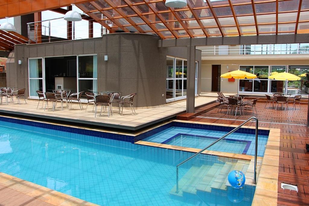 The swimming pool at or near Hotel Villa das Termas Machadinho