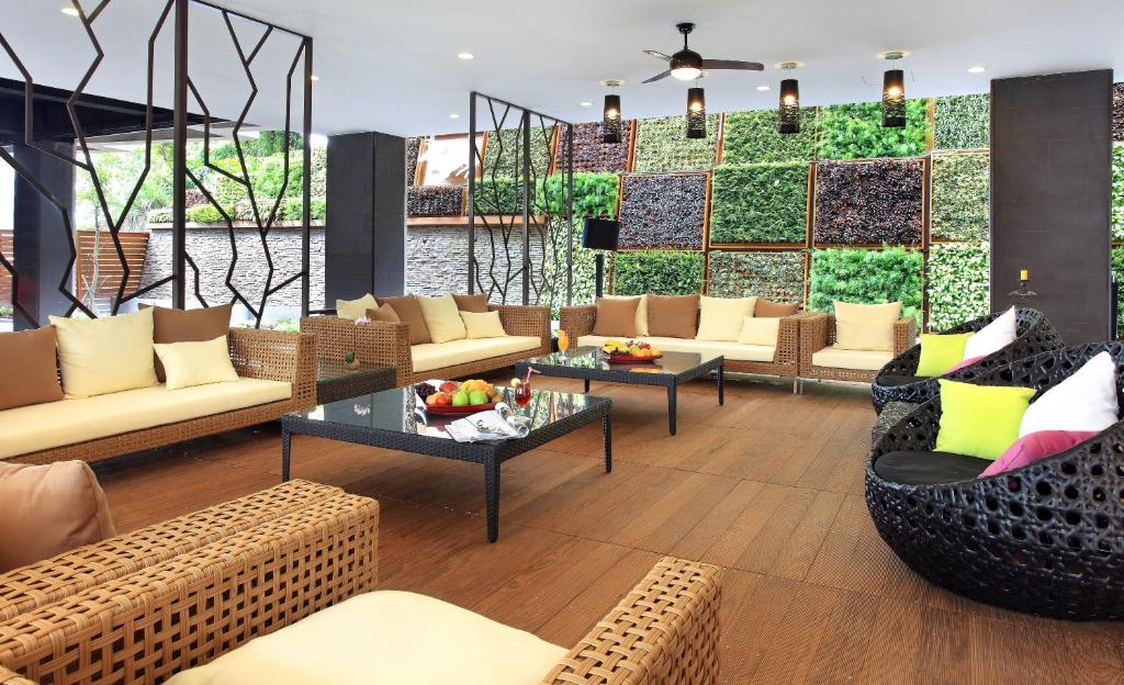 A seating area at LeaLea Garden Hotels - Moon Lake