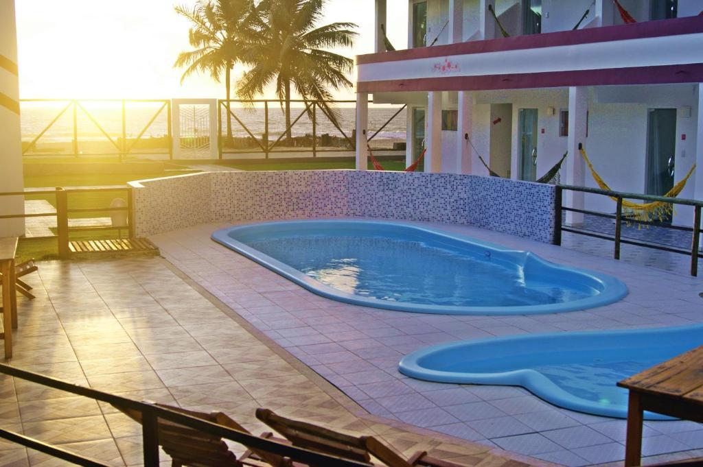 A piscina localizada em Pousada Sol Nascente ou nos arredores