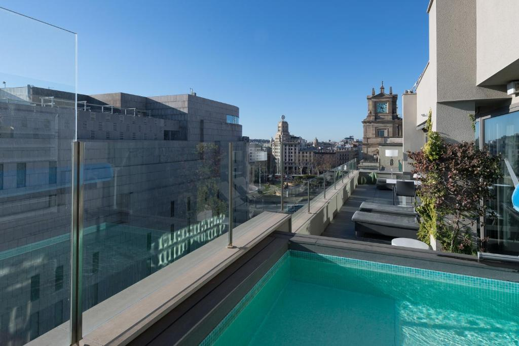 The swimming pool at or near Catalonia Square 4* Sup