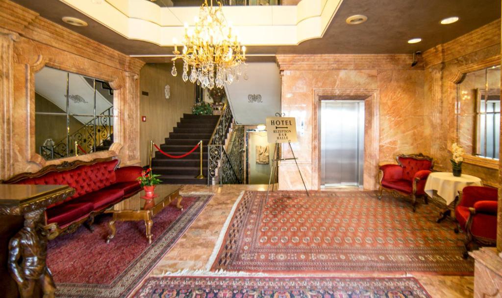 Lobby/Rezeption in der Unterkunft Hotel Palais Porcia