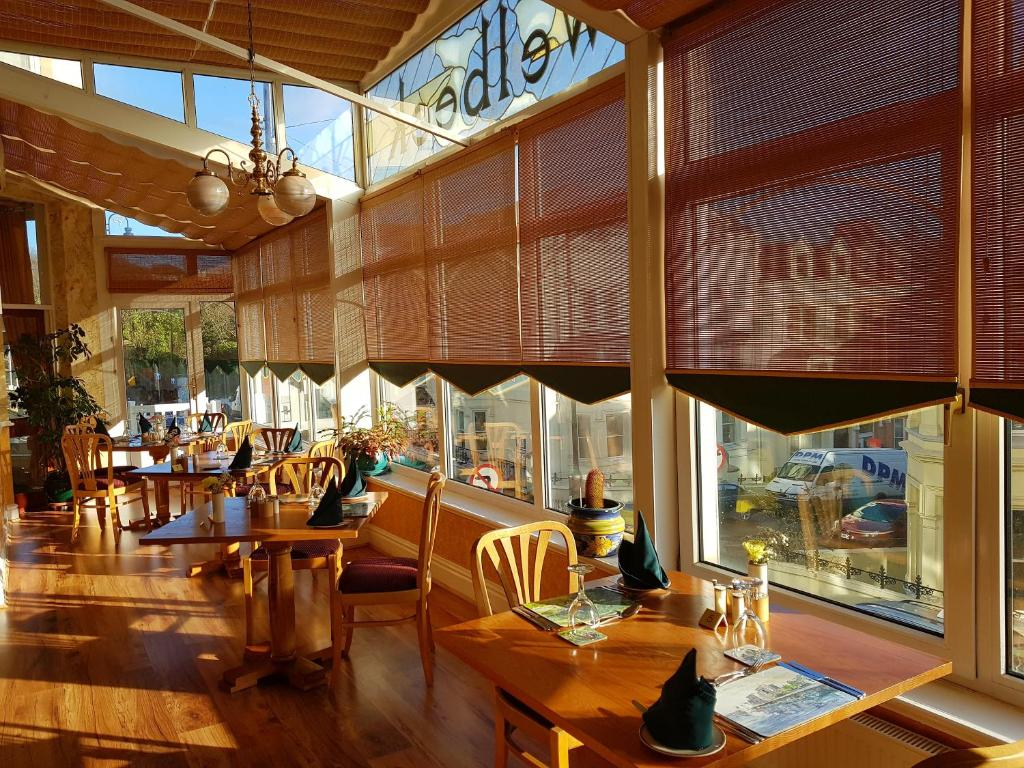 A restaurant or other place to eat at Welbeck Hotel & Restaurant