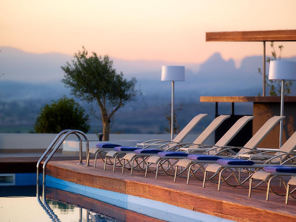 Бассейн в Ananti City Resort или поблизости