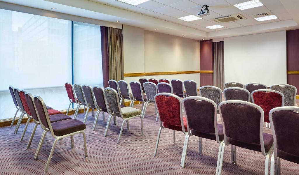 Jurys Inn Milton Keynes - Laterooms