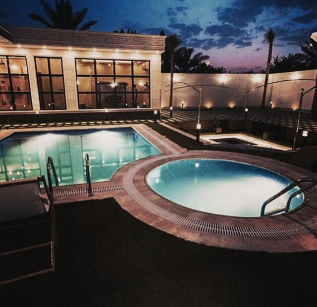 A piscina localizada em Al Nakhlah Chalet ou nos arredores