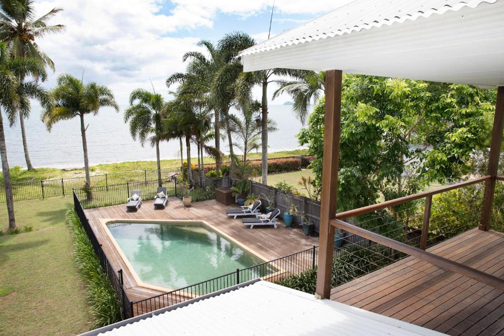 The swimming pool at or near ABSOLUTE BEACHFRONT BLISS @ NEWELL BEACH