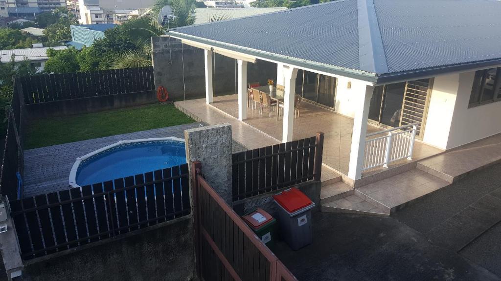 """Uma vista da piscina em """"Hanikea"""" Quiet & Pool Home ou nos arredores"""