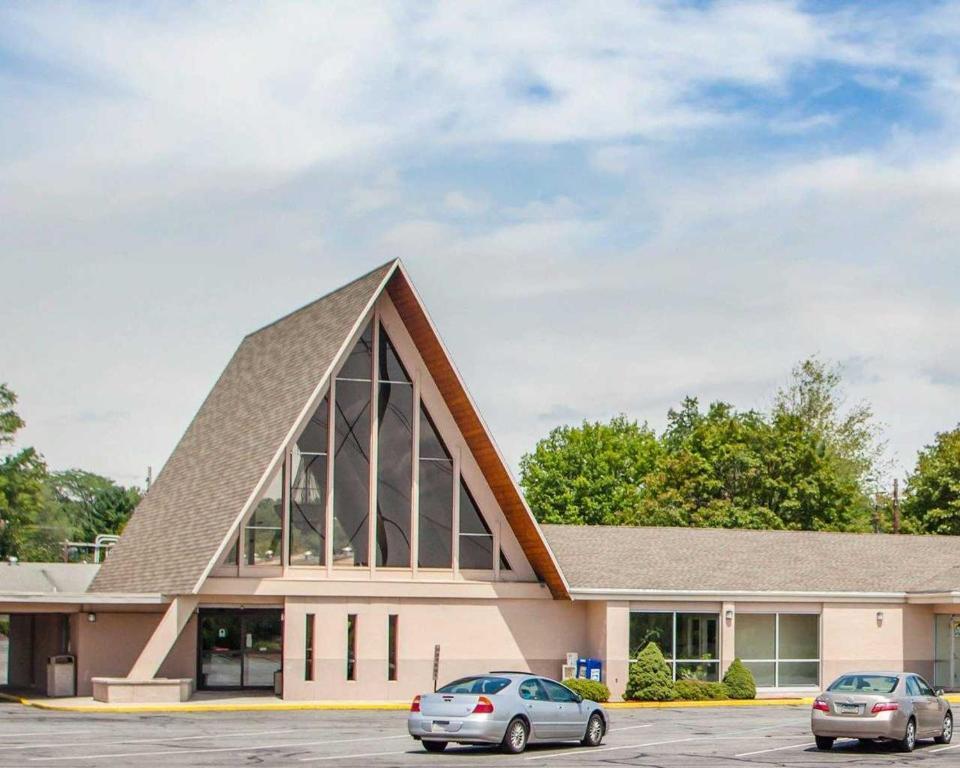 The Parkview Inn & Conference Center.