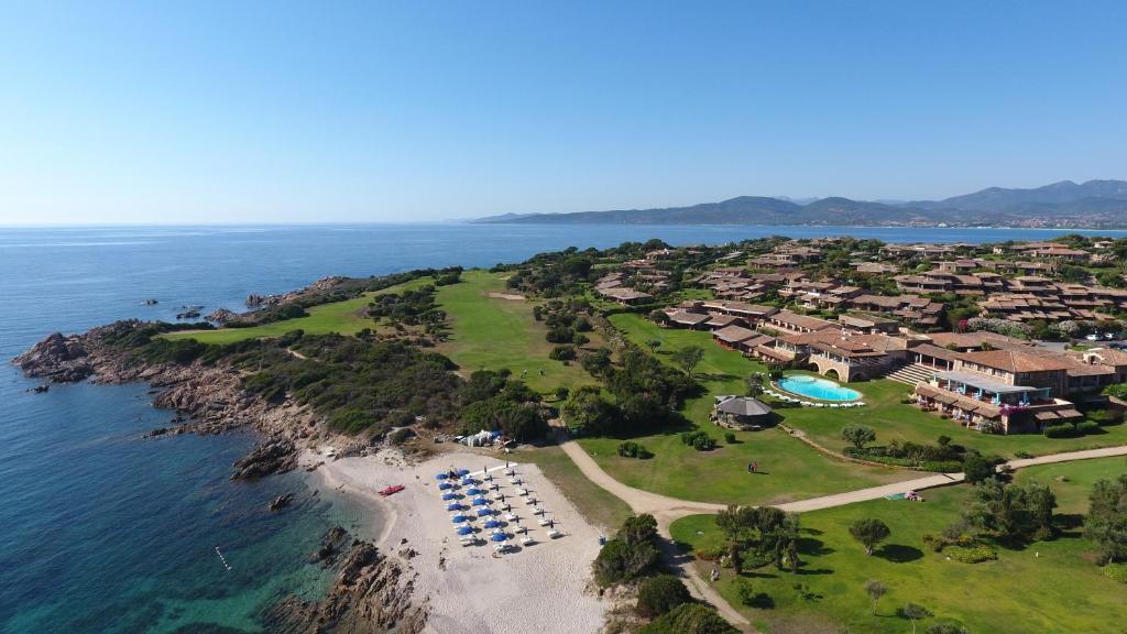 A bird's-eye view of Due Lune Resort Golf & Spa