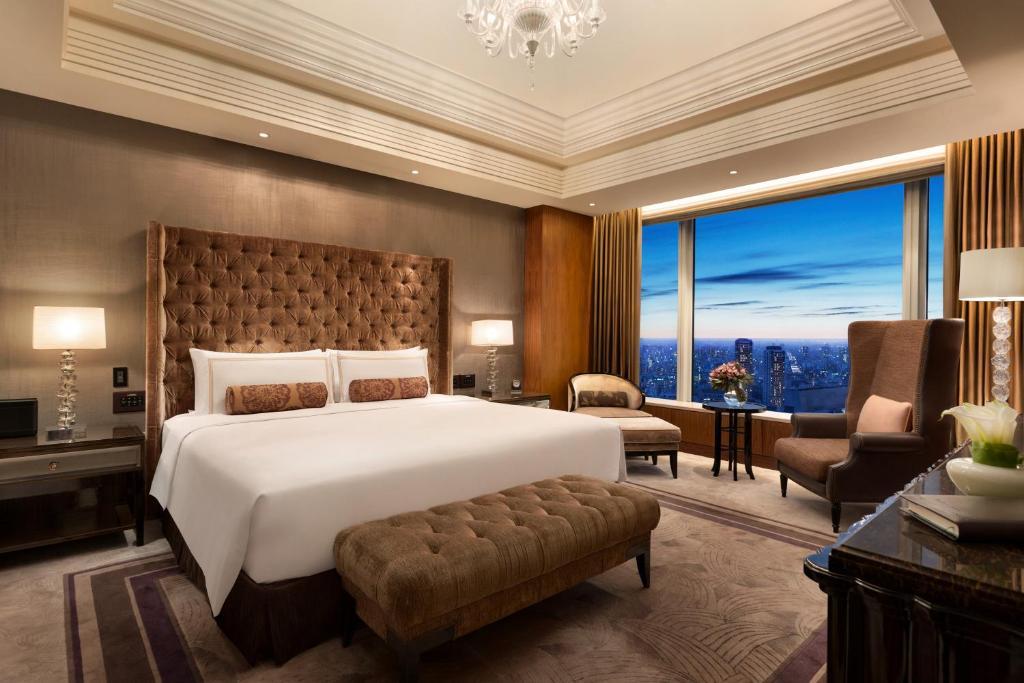 A room at the Shangri-La Hotel Tokyo.