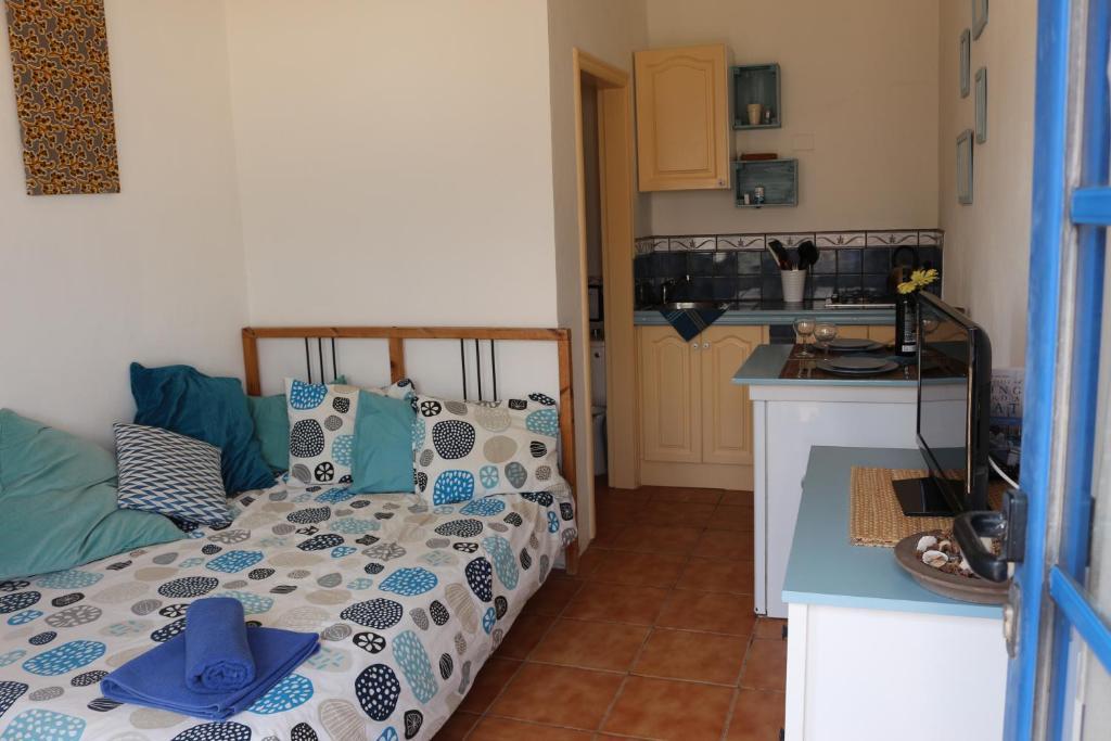 A kitchen or kitchenette at Casita del Rio 2