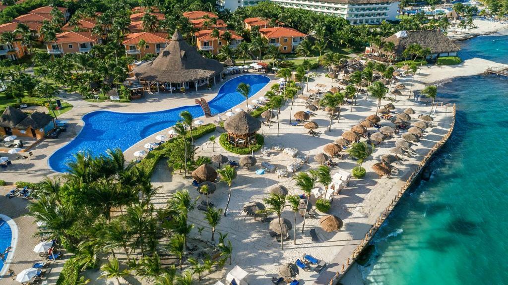 Een luchtfoto van Ocean Maya Royale - Adults Only