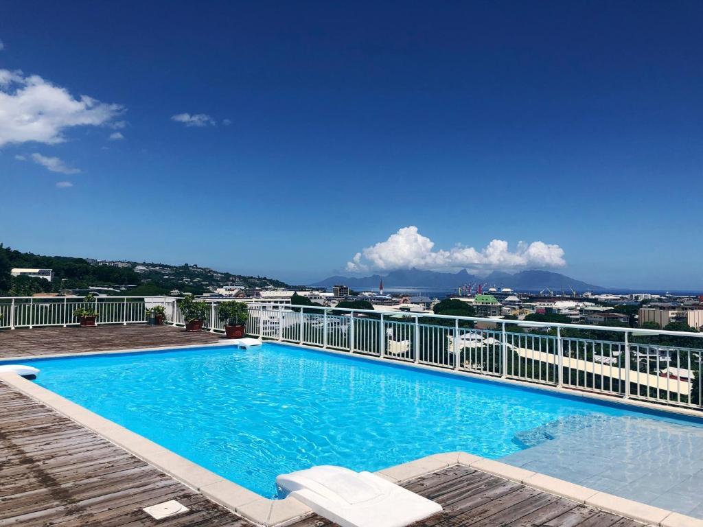 A piscina localizada em Studio Kaoha Nui - Private apartment ou nos arredores