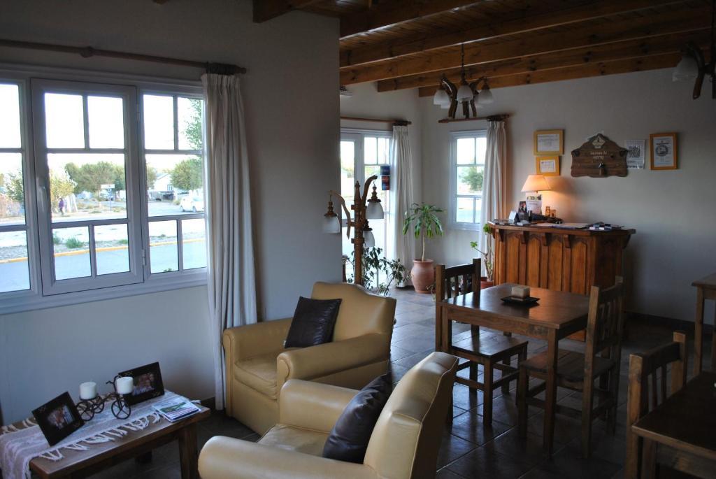 A seating area at Hosteria La casa de Ketty