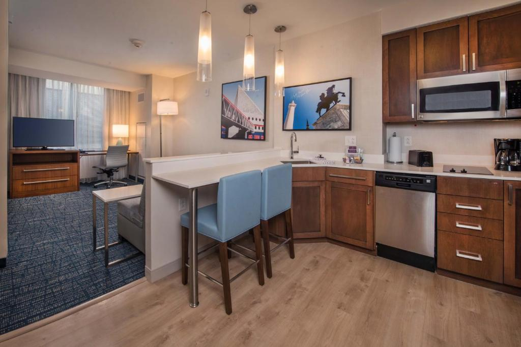 A room at the Residence Inn by Marriott Baltimore at The Johns Hopkins Medical Campus.