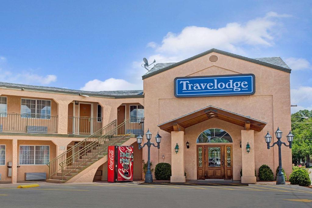 The Travelodge by Wyndham Bishop.