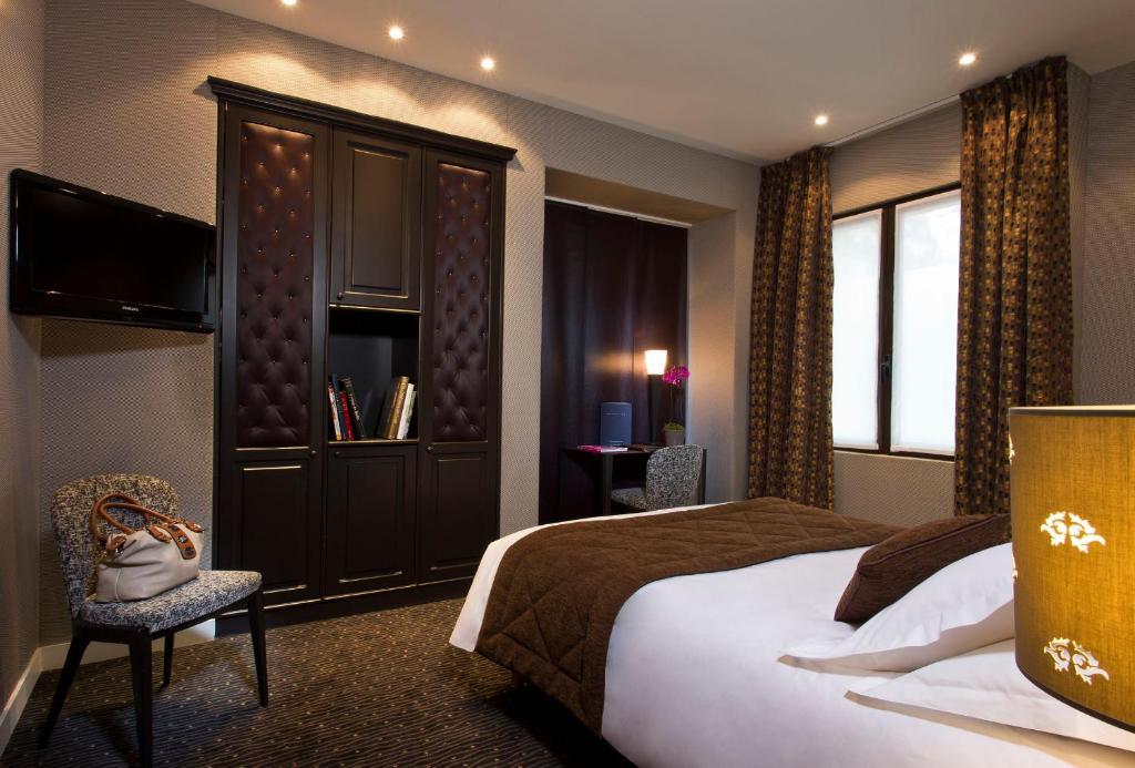 Hotel Du Prince Eugene Paris, France