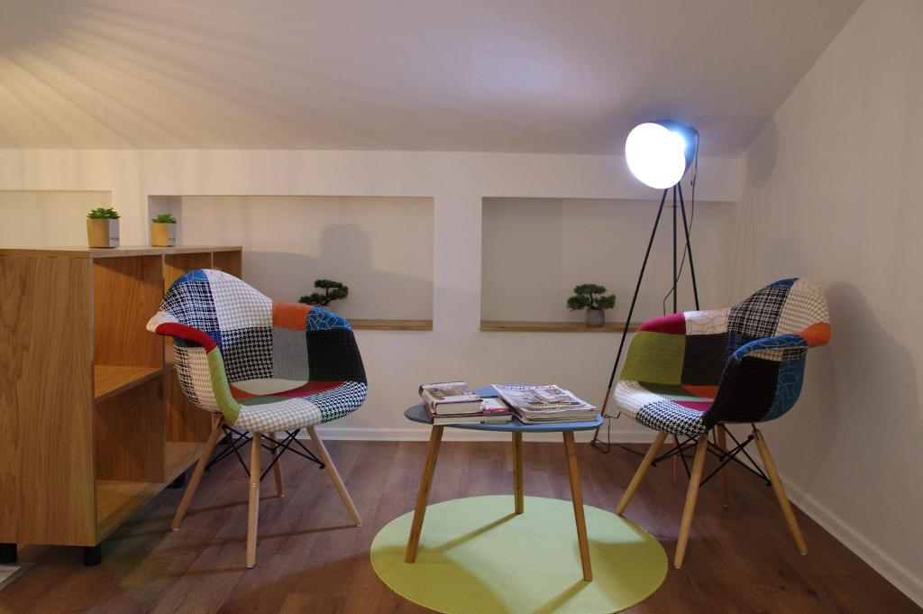 A seating area at Up.Cooltura Guesthouse