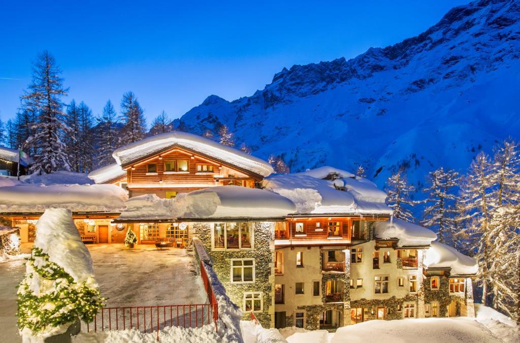 Saint Hubertus Resort durante l'inverno