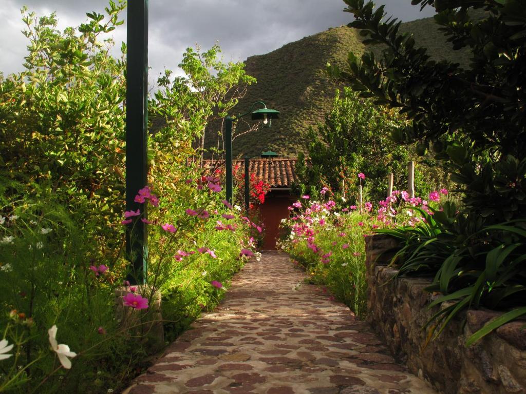 Ein Garten an der Unterkunft Casa De Aida