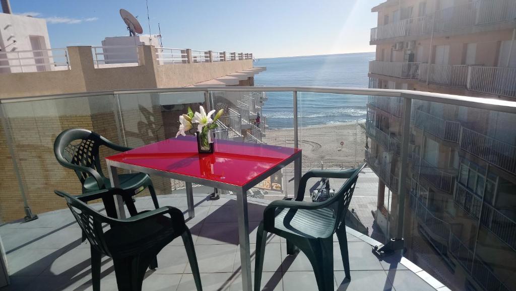 Un balcón o terraza de Apartamentos Marjal 3