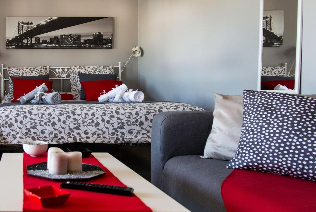 A bed or beds in a room at 'Romeo & Juliet' Cozy Apartment With Breathtaking View