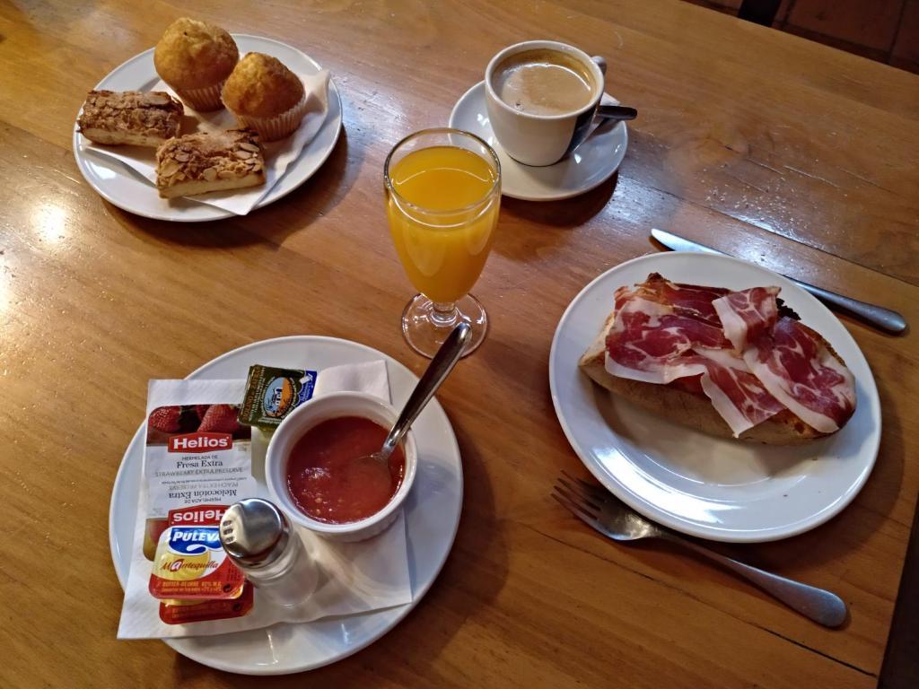 Breakfast options available to guests at La Posada de Don Mariano