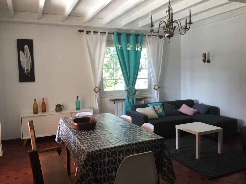 A seating area at gite les sagnas
