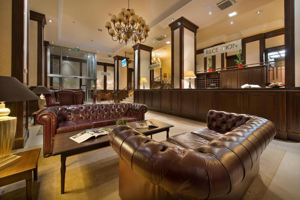 The lobby or reception area at Apollo Hotel Bratislava