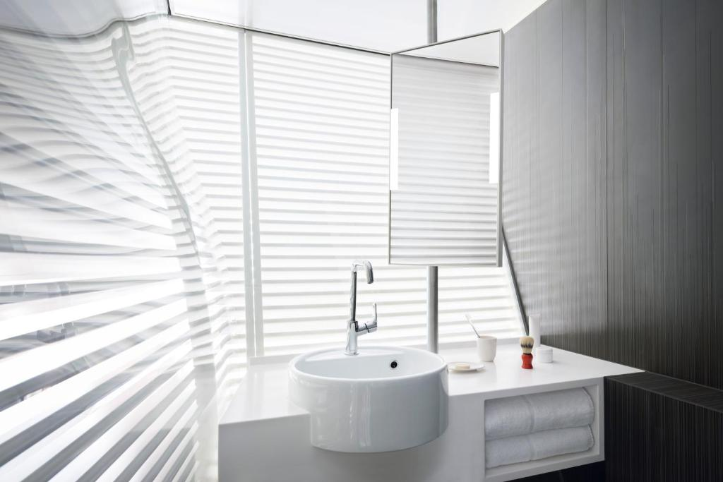Salle de bains dans l'établissement Okko Hotels Bayonne Centre