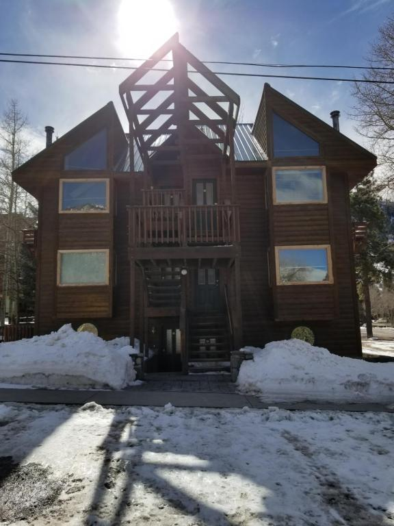 Alpenglow Vacation Rentals during the winter