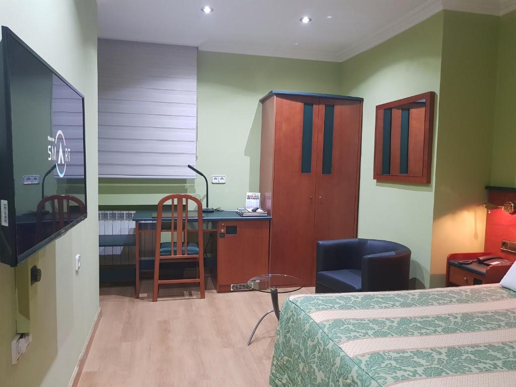 Una televisión o centro de entretenimiento en Idh Angel