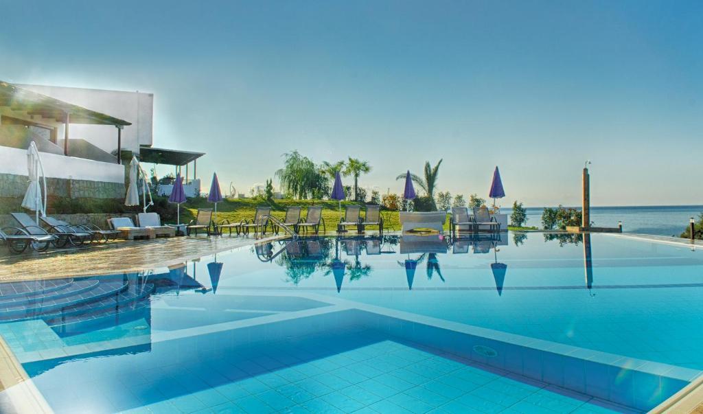 The swimming pool at or close to Samothraki Beach Apartments & Suites Hotel