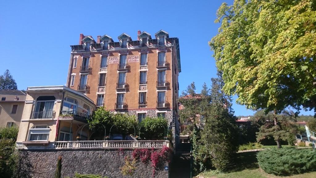 Castel Regina Chatel-Guyon, France