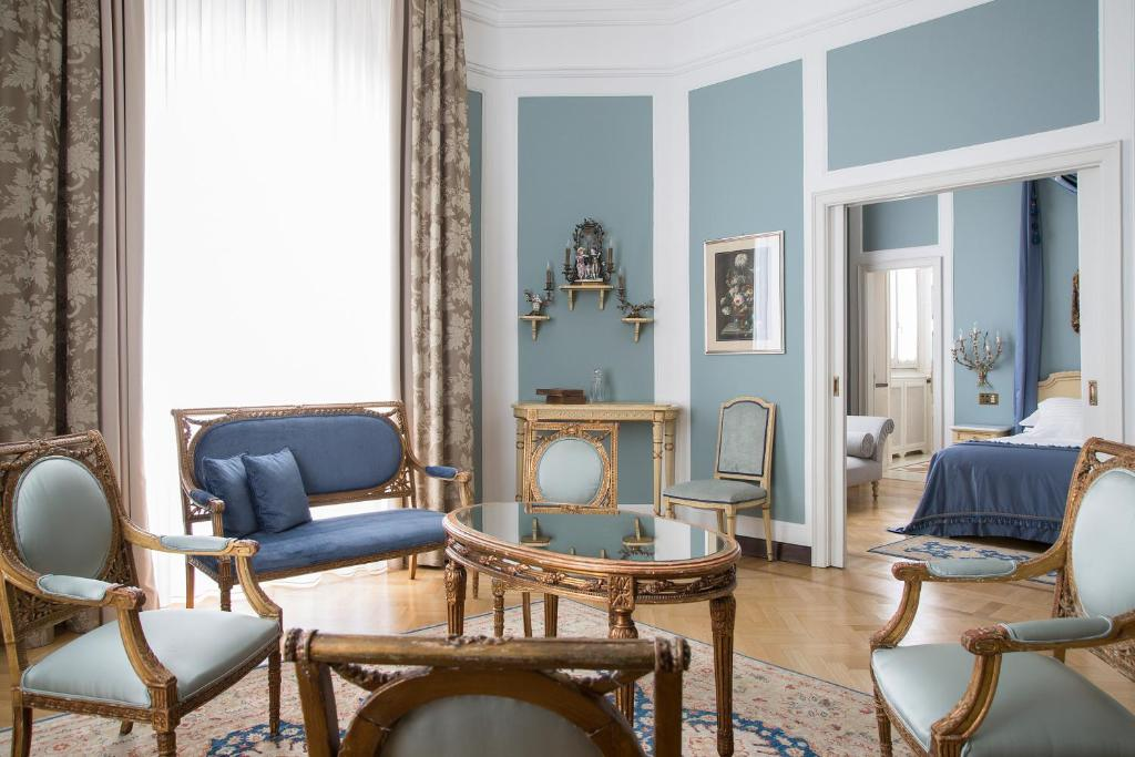 A seating area at Grand Hotel et de Milan - The Leading Hotels of the World