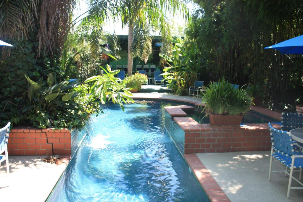 The swimming pool at or near The Green House Inn