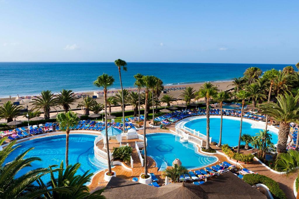 Uitzicht op het zwembad bij Sol Lanzarote of in de buurt