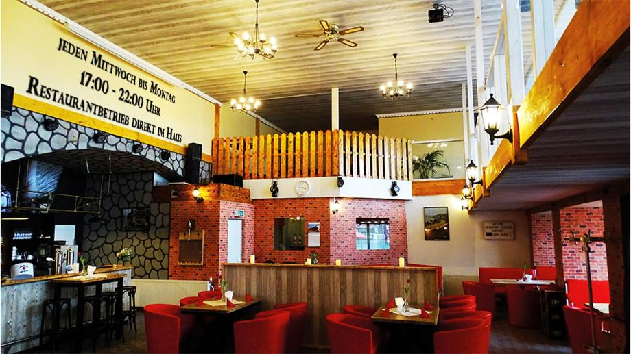 A restaurant or other place to eat at Nordseehostel am Bahnhof