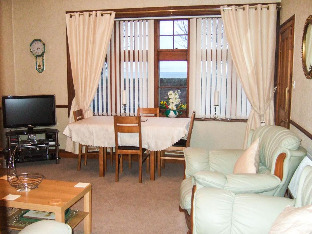 A seating area at Anchorage B&B