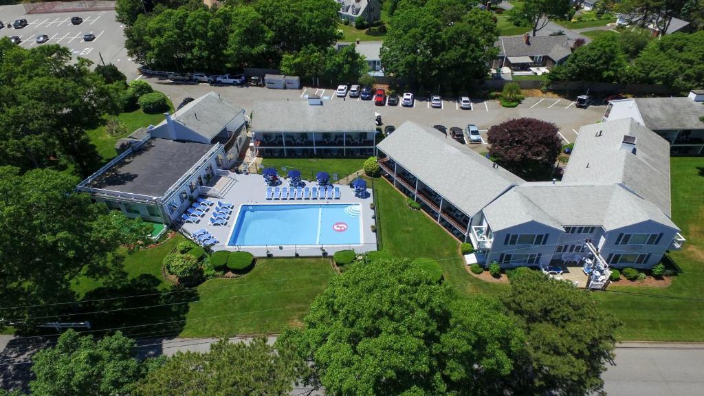 A bird's-eye view of Blue Rock Resort