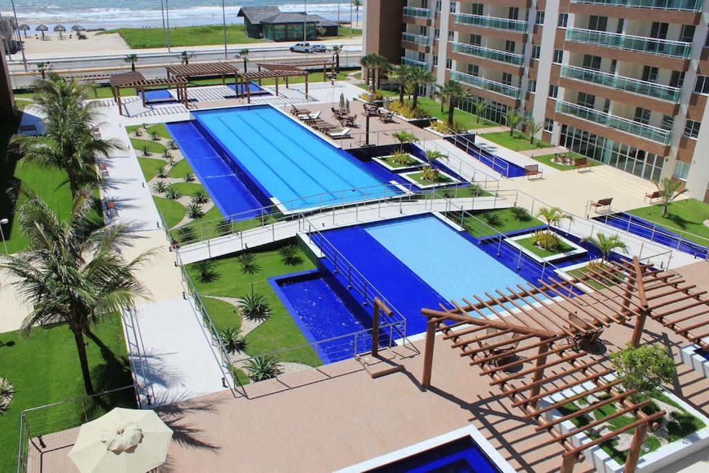Uma vista da piscina em Apartamento Futurum no Vg Fun Residence ou nos arredores