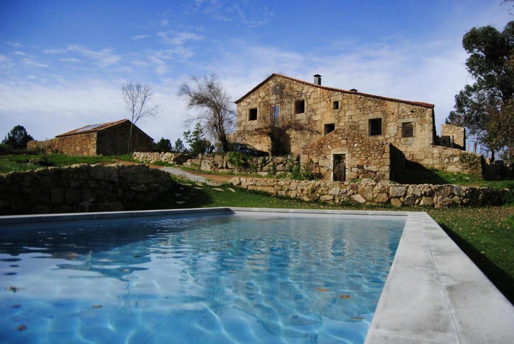 A piscina em ou perto de Quinta de Seves