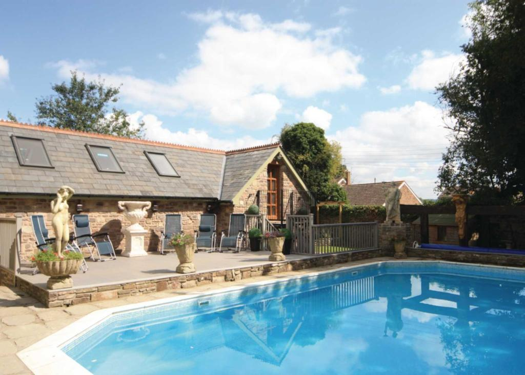 The swimming pool at or near Willsbrook Lodge