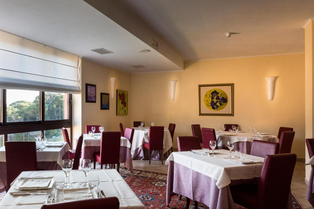 A restaurant or other place to eat at Park Hotel Argento