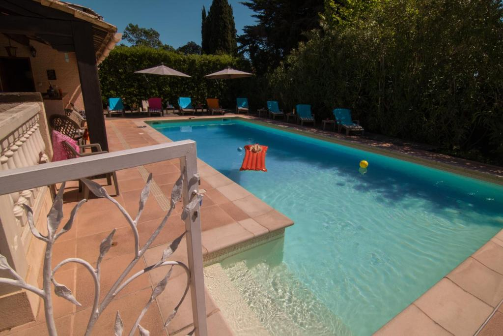 A view of the pool at Villa Carpe Diem or nearby
